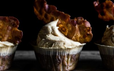 "BANAN, PEANUTBUTTER & BACON MUFFINS · ""THE ELVIS"""