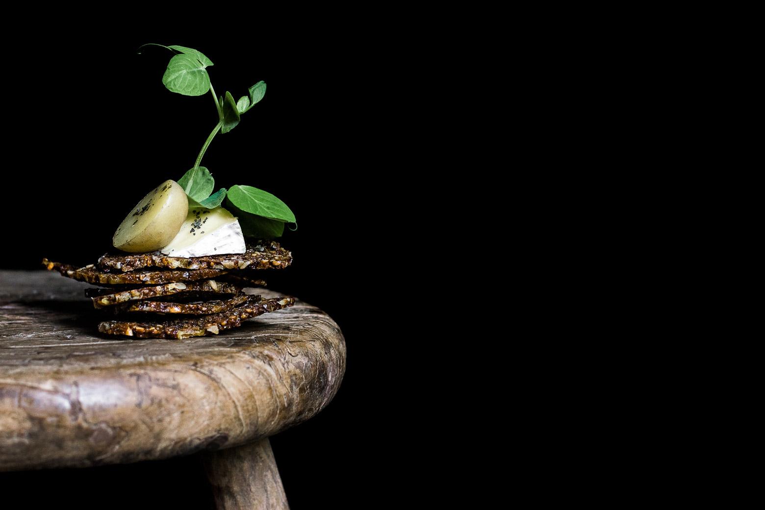 Rugchips med nye kartofler og skimmelost · 14