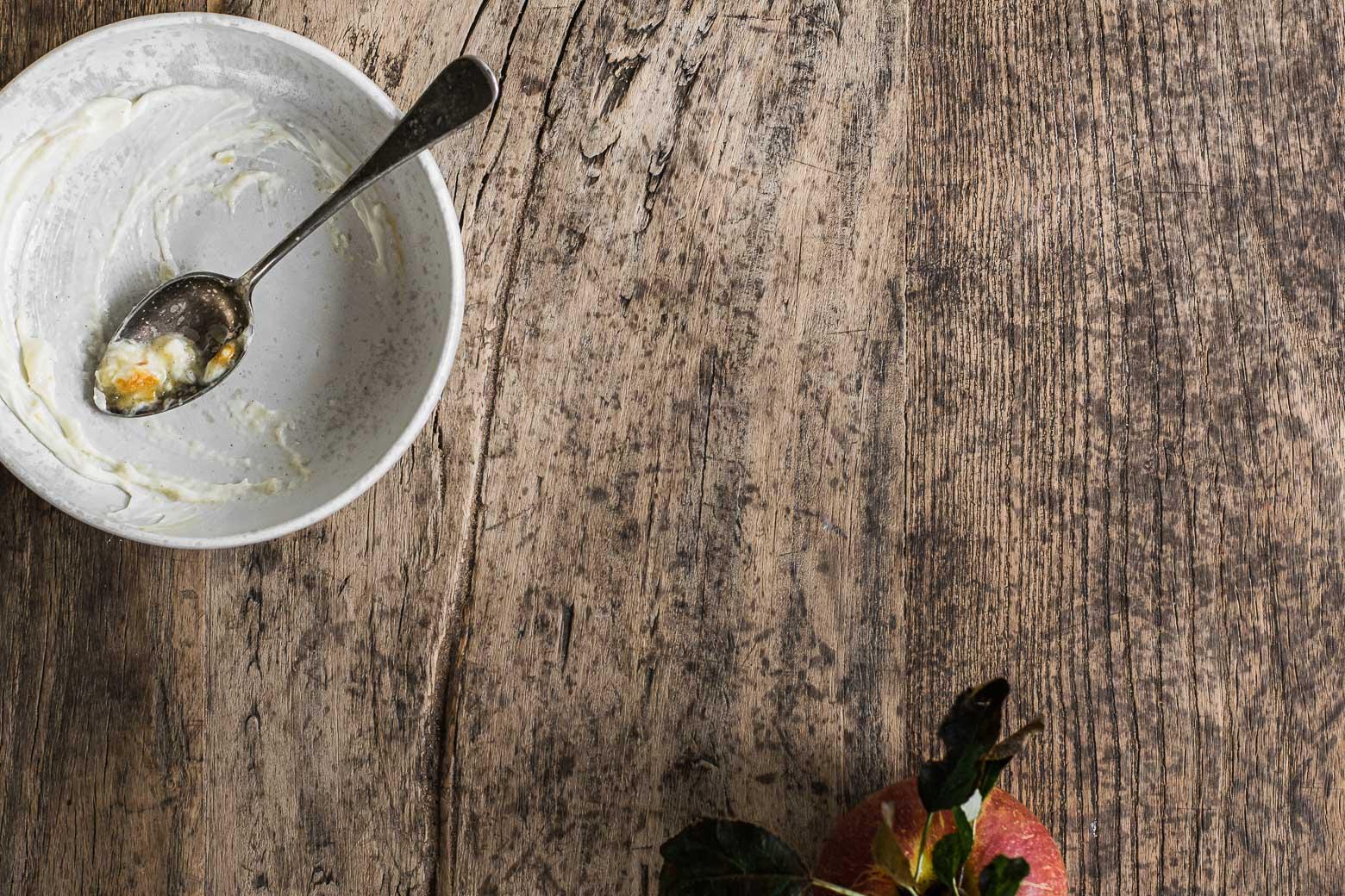 Æblegrød med kanelcreme og honningkaramel · 9